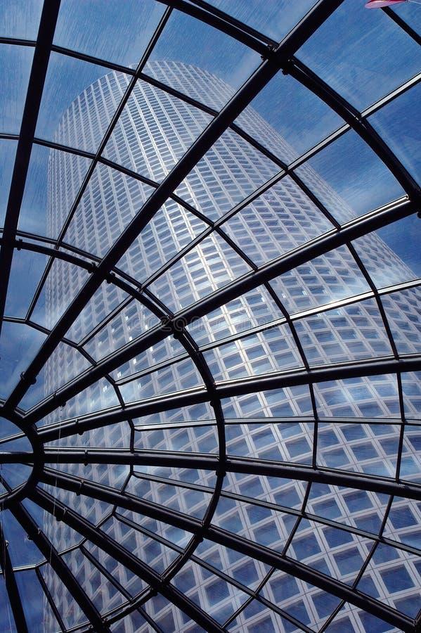 Torre redonda moderna foto de stock