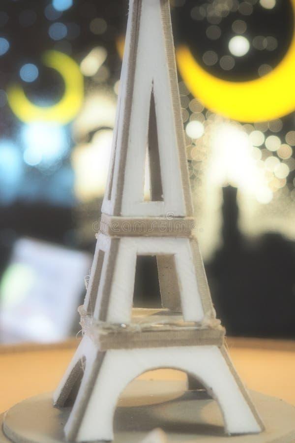 Torre romanzesca con luce fotografia stock