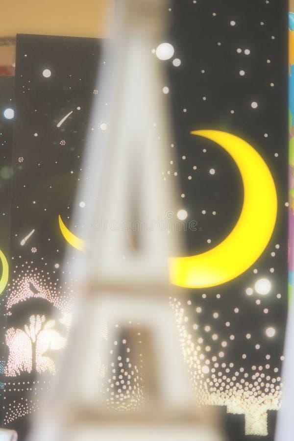 Torre romanzesca con luce immagine stock