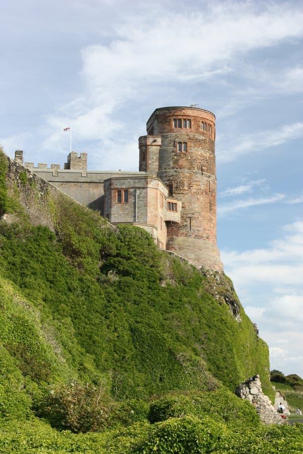 Torre suroriental del castillo de Bamburgh fotos de archivo