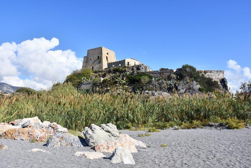 Torre Talao in Scalea, Calabrië stock foto
