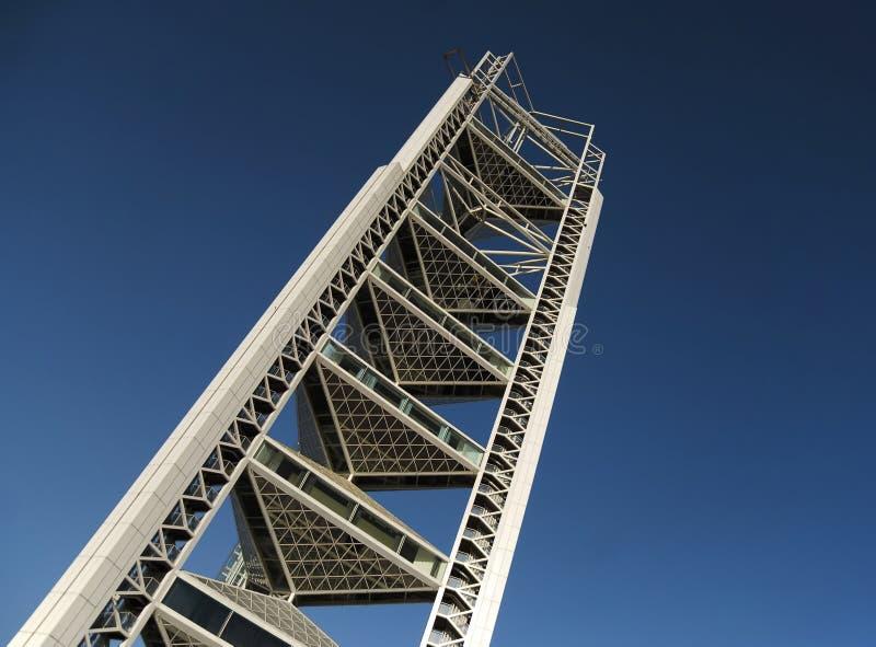 Torre ultra moderna imagenes de archivo