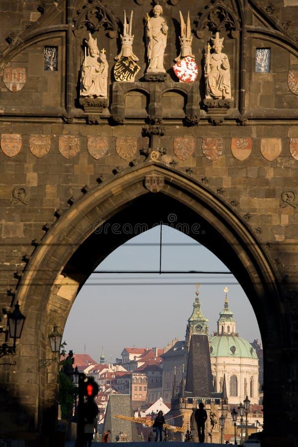 Torre velha da ponte da cidade fotografia de stock royalty free