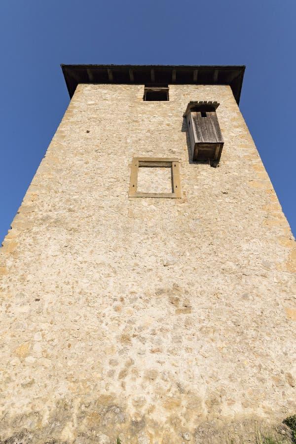 Torre velha do castelo de Ozalj fotos de stock royalty free