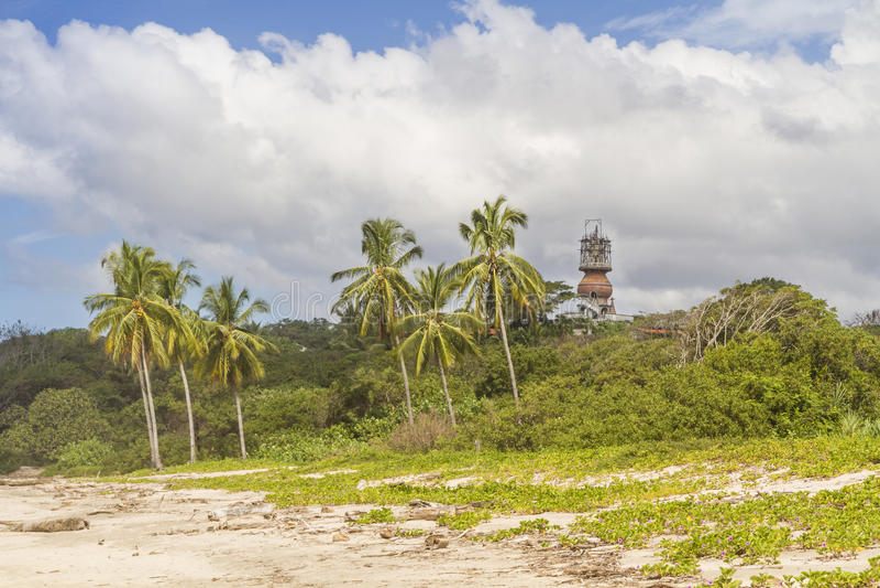 Torre y Playa Guiones de Nosara del hotel imagen de archivo