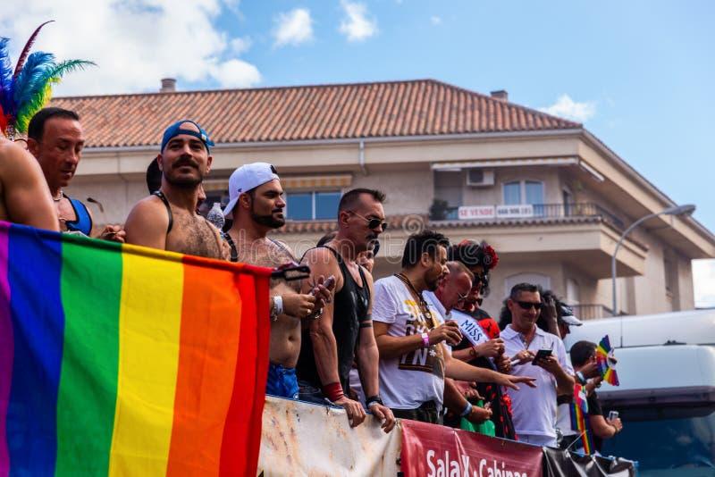 TORREMOLINOS, ESPAGNE - 2 juin 2018 les gens marchent dans les RP annuelles photo libre de droits