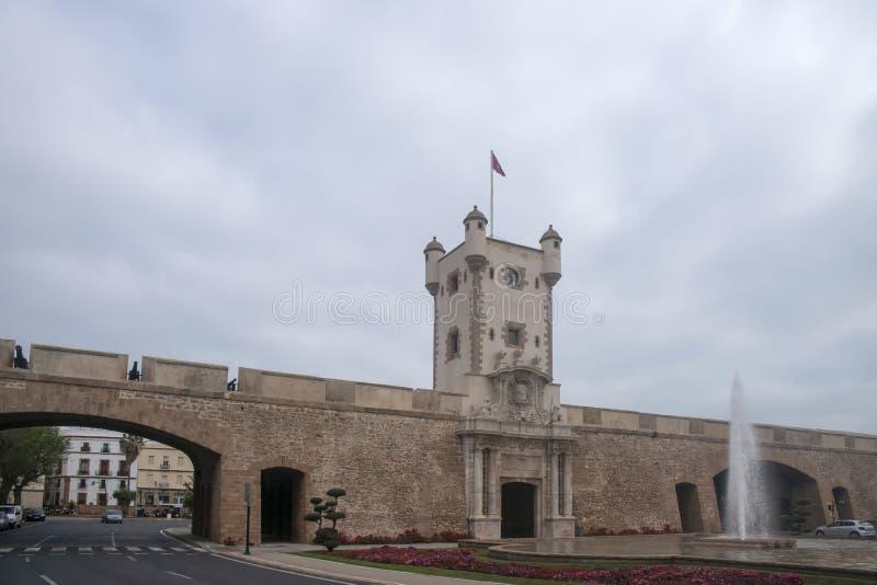 Torren De Tierra Gate in der Stadt von Cadiz, Andalusien lizenzfreie stockbilder