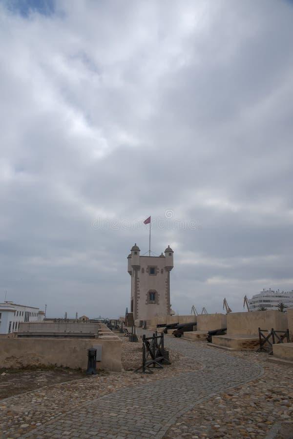 Torren De Tierra Gate in der Stadt von Cadiz, Andalusien lizenzfreies stockfoto