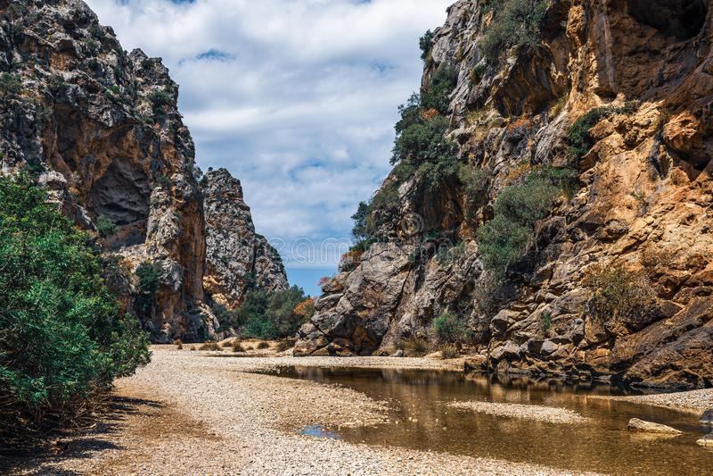 Torrent de Pareis, Canyon de la Calobra na ilha de Maiorca imagens de stock