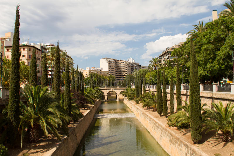 Torrente de la Riera, Passeig Mallorca royaltyfria bilder