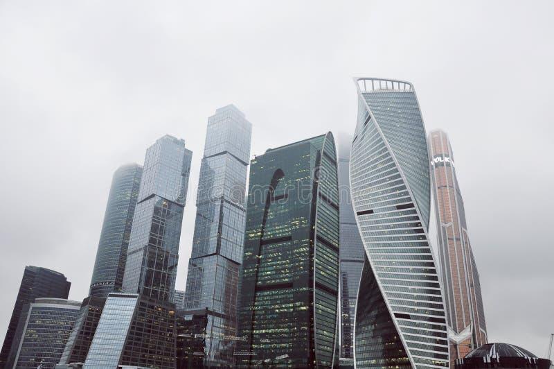 Torres da cidade do grande negócio em Moscou imagens de stock