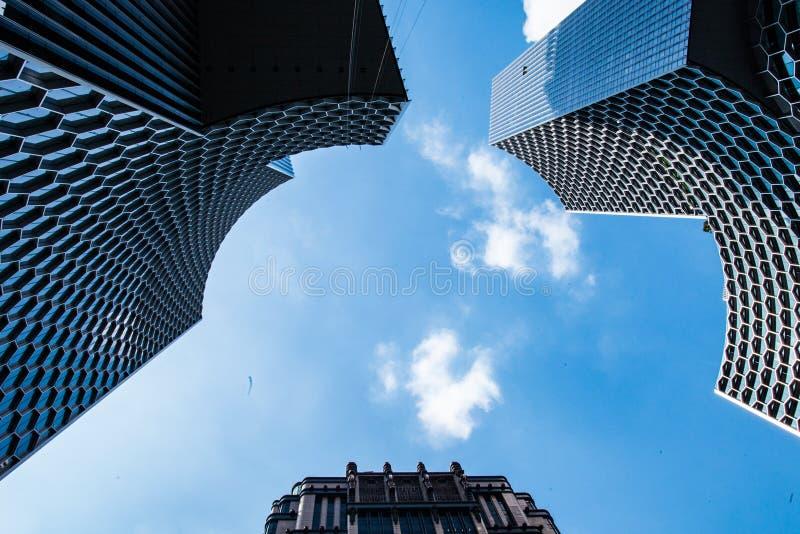 Torres da construção em Ásia singapore foto de stock royalty free