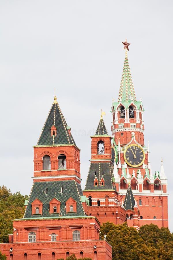 Torres da Moscovo Kremlin fotografia de stock