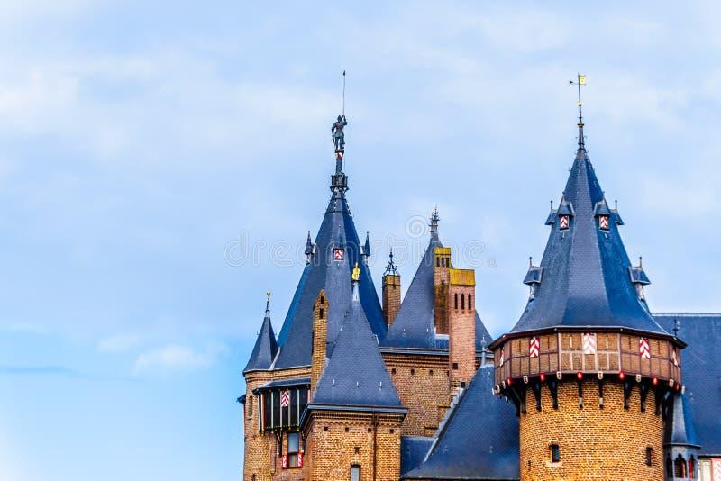 Torres de Castle De Haar, del castillo una reconstrucción del siglo XIV totalmente en los fin del siglo XIX imagenes de archivo