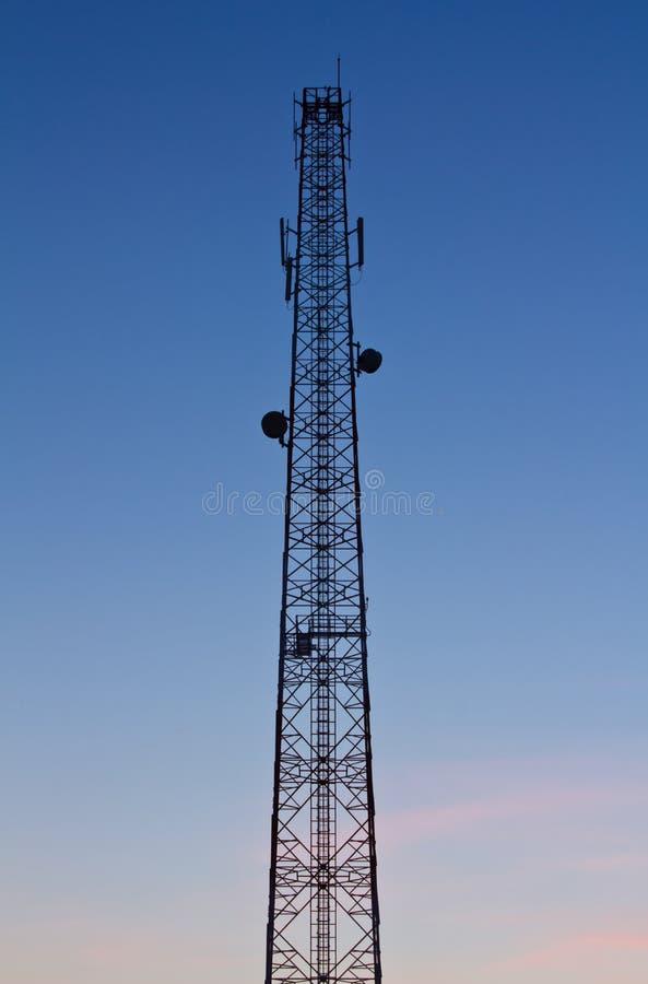 Torres de comunicação. imagens de stock