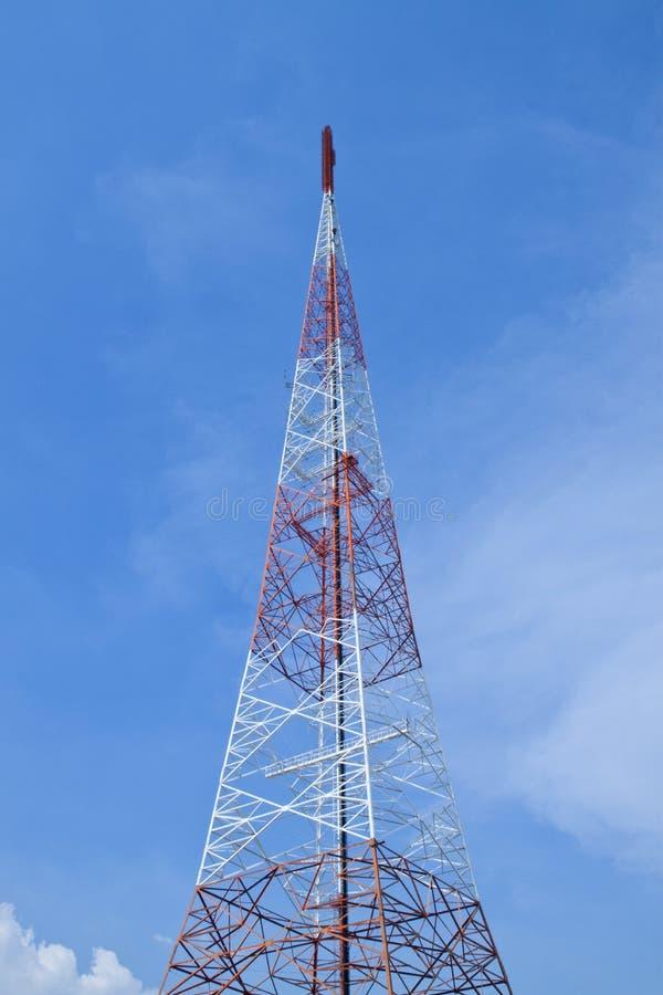 Torres de comunicação imagens de stock