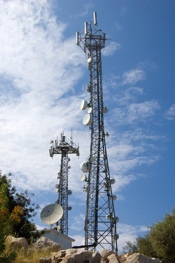 Torres de comunicação foto de stock