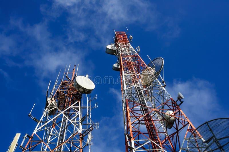 Torres de comunicación foto de archivo