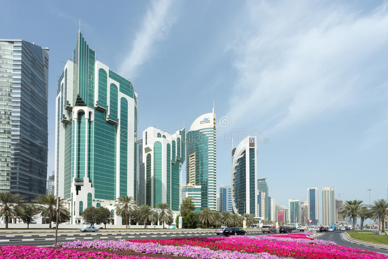 Torres de Doha Corniche imagenes de archivo