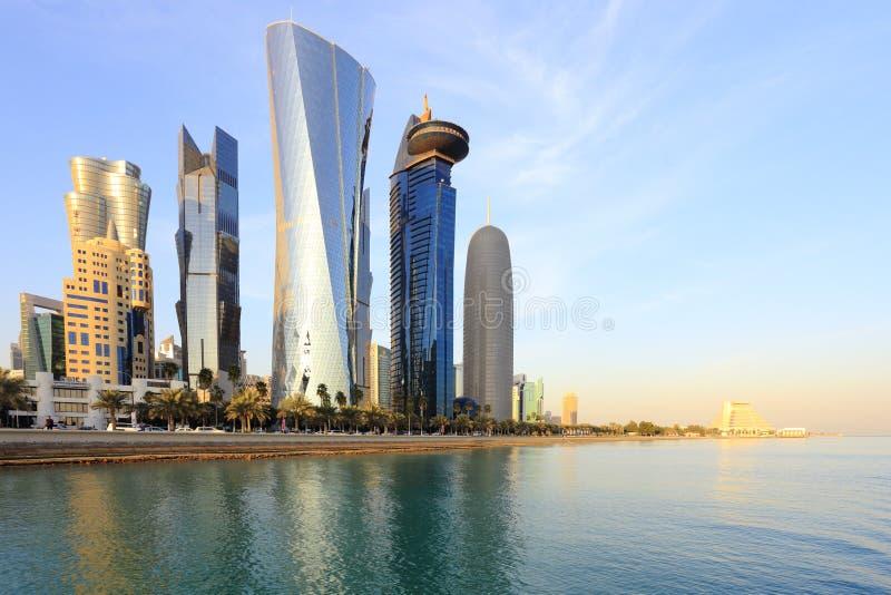 Torres de la bahía de Doha imagenes de archivo
