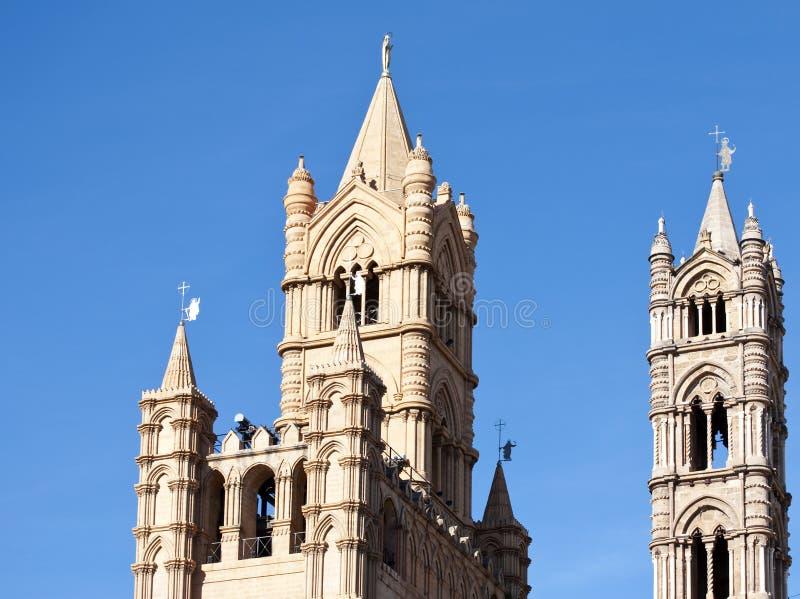 Torres de la catedral de Palermo fotografía de archivo libre de regalías
