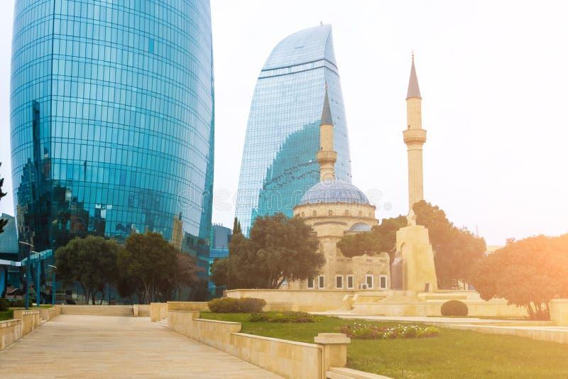 Torres de la llama del rascacielos en Baku, Azerbaijan imágenes de archivo libres de regalías