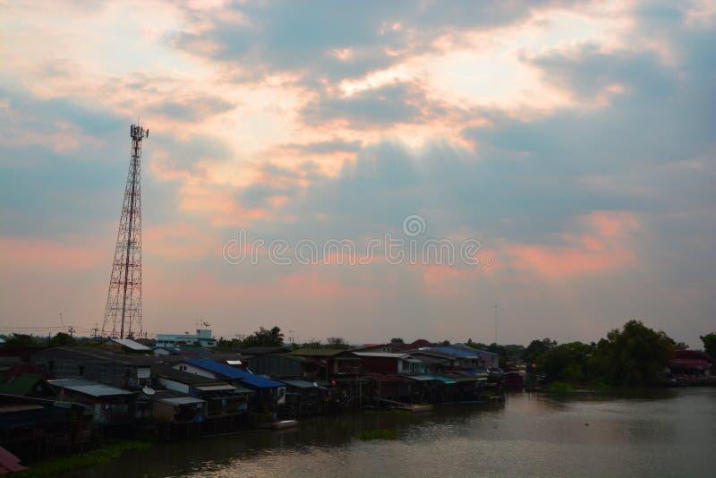 Torres de las telecomunicaciones imagen de archivo libre de regalías