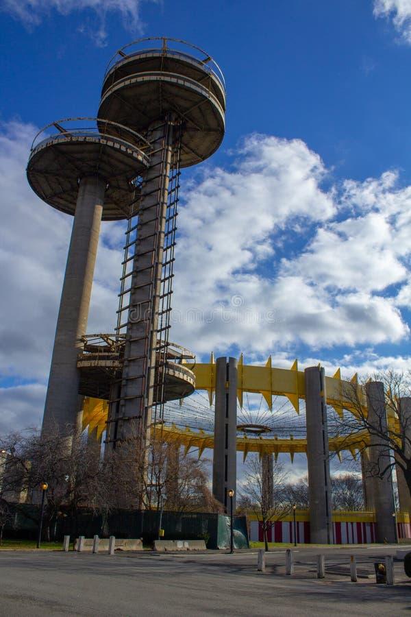 Torres de observación en el Parque Corona Flushing Meadows, Feria Mundial de Nueva York fotografía de archivo