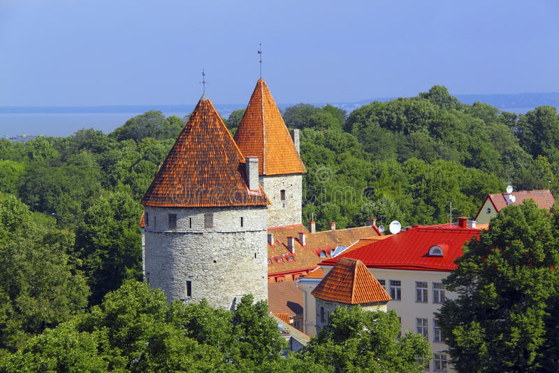 Torres de Tallinn, Estonia imagen de archivo libre de regalías