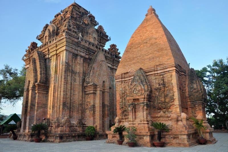 Torres del Cham del Po Ngar en Nha Trang, Vietnam imagen de archivo libre de regalías