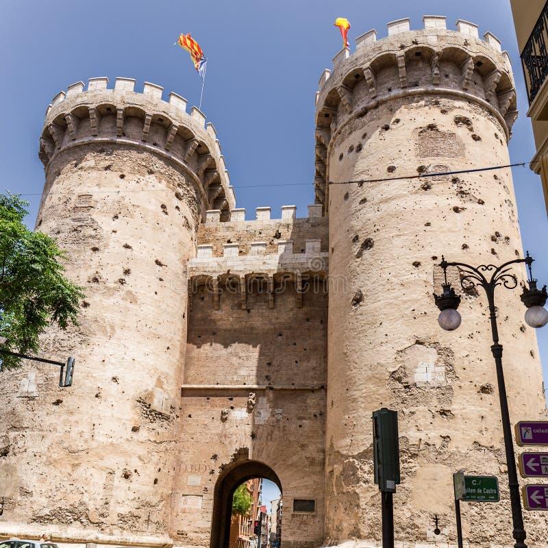Torres del cuarto de galón en Valencia foto de archivo