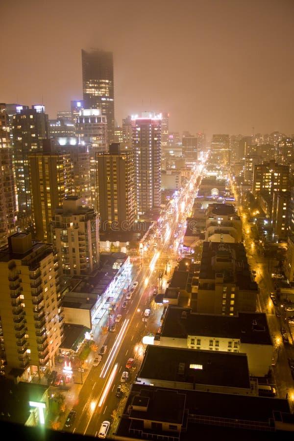 Torres del horizonte en la noche fotos de archivo libres de regalías