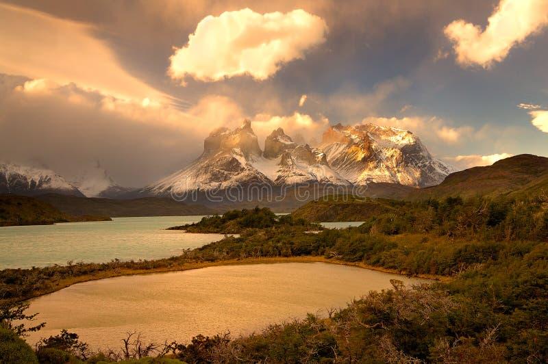 Torres del Paine stock foto's