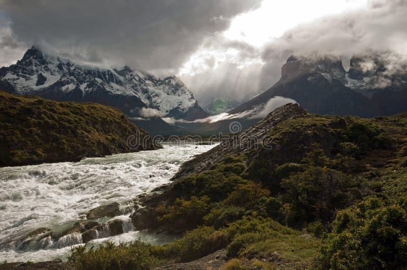 Download Torres Del Paine stockfoto. Bild von eingefroren, amerika - 9094118