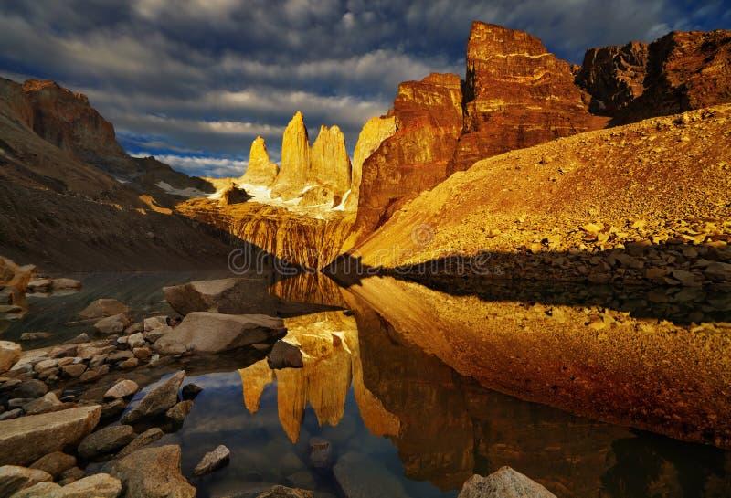 Torres del paine ad alba fotografia stock