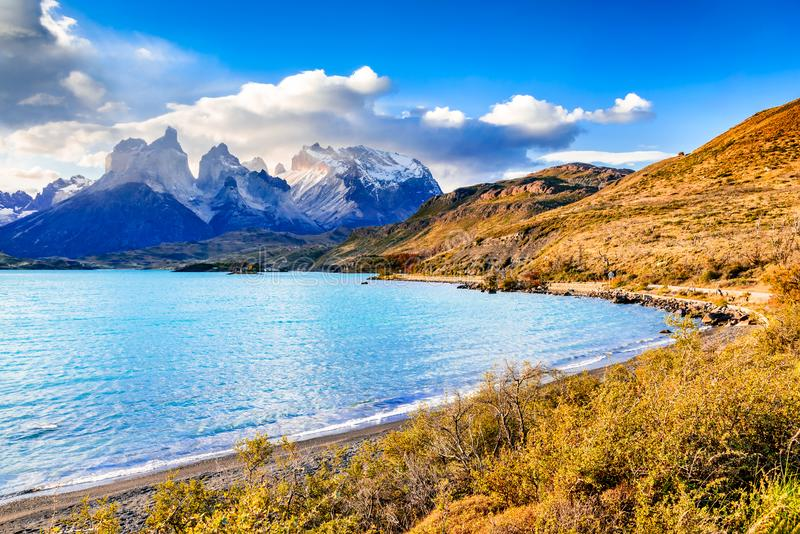 Torres del Paine dans le Patagonia, Chili - Lago Pehoe image stock