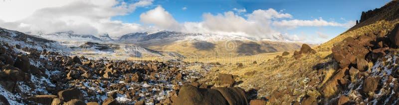 Torres del Paine nationalpark i Chile fotografering för bildbyråer
