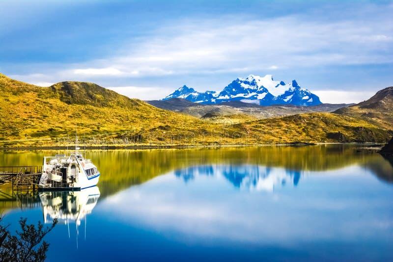 Torres Del Paine park narodowy, Pehoe jezioro, Patagonia, Chile - S obraz stock