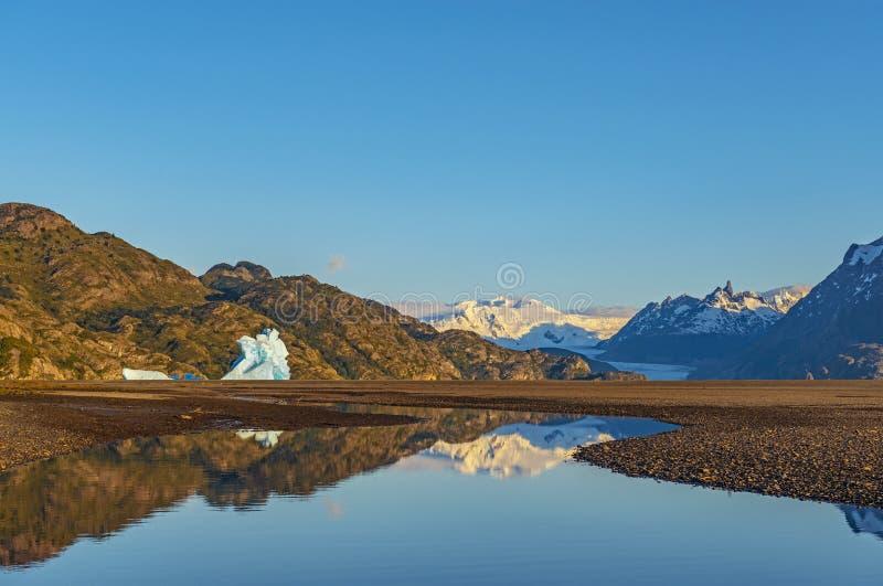 Torres del Paine Sunrise, Patagonia fotografie stock libere da diritti