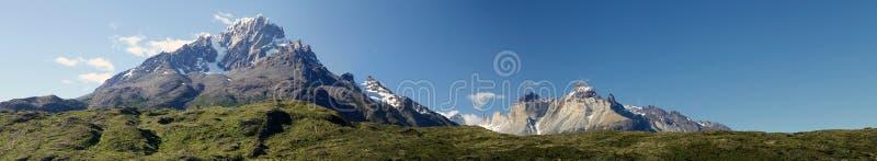 Torres del Piane в национальном парке Torres del Paine, зоне Magallanes, южной Чили стоковая фотография
