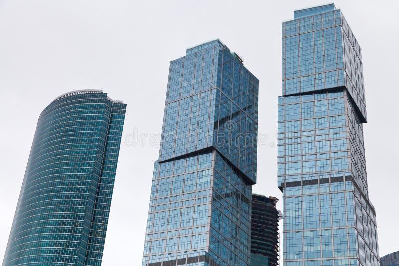Torres do arranha-céus do centro de negócios fotografia de stock royalty free