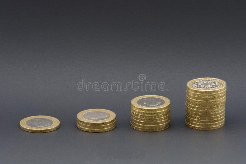 Torres do dinheiro imagens de stock royalty free