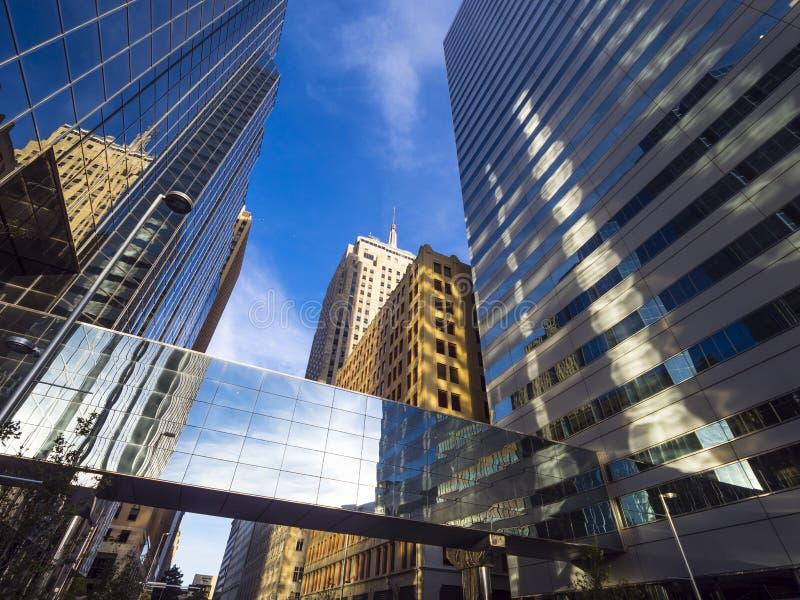 Torres do escritório do Banco Americano no Oklahoma City imagens de stock