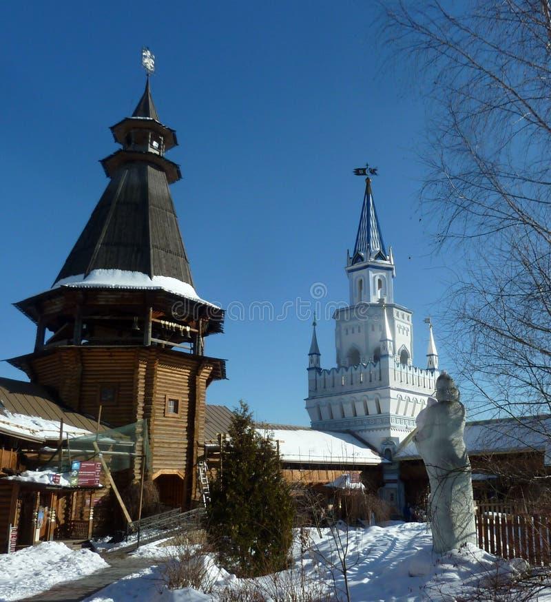 Torres do Kremlin de Izmaylovo em Moscou, Rússia, inverno fotografia de stock