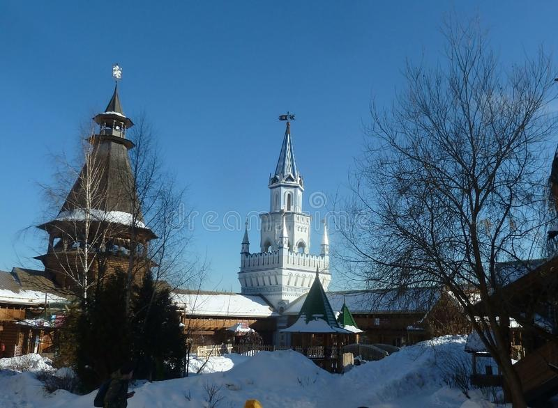 Torres do Kremlin de Izmaylovo em Moscou, Rússia, inverno foto de stock
