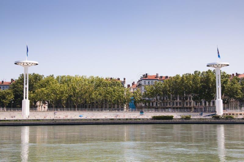Torres en los bancos del Rhone en Lyon, Francia fotos de archivo libres de regalías
