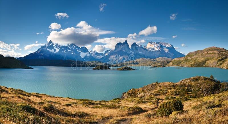 torres för pehoe för del lake nationella painepark royaltyfri fotografi