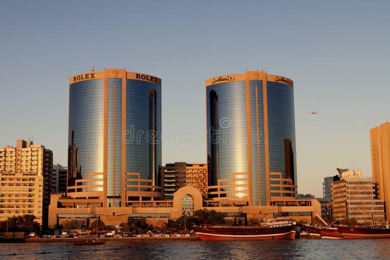 Torres gémeas de Deira em Dubai Creek fotos de stock royalty free