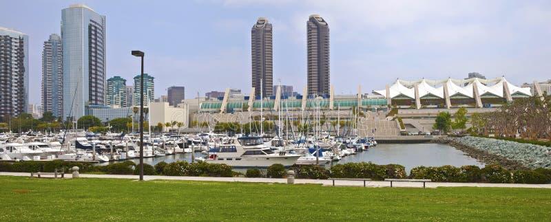 Torres gêmeas de San Diego e centro de convenções Califórnia. fotografia de stock