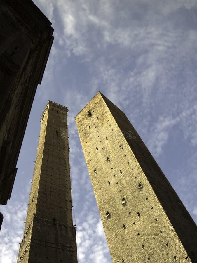 Torres gemelas medievales fotografía de archivo libre de regalías
